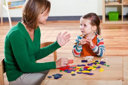 ילדה עם פסיכולוגית